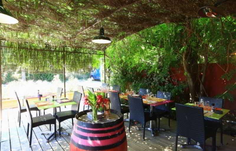 Terrace Ibis Styles Aix En Provence