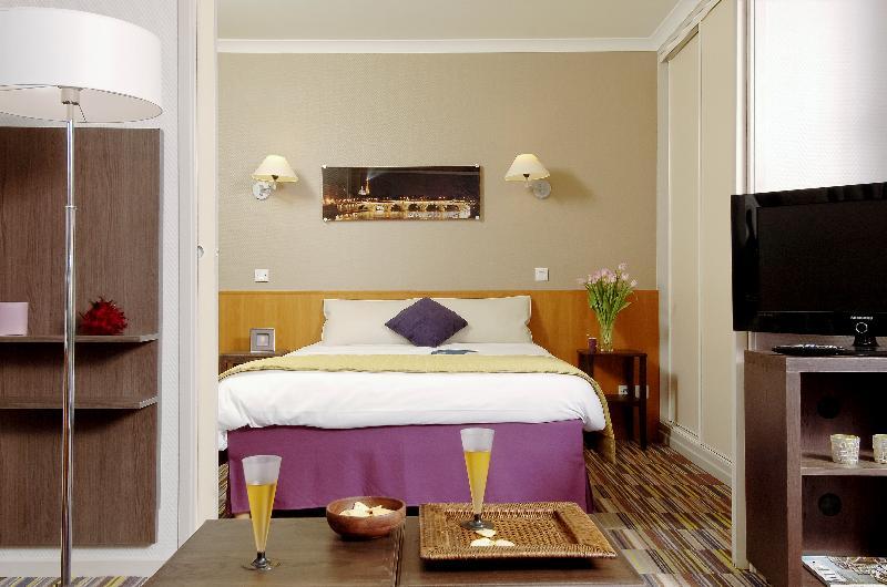 Room Adagio Porte De Versailles