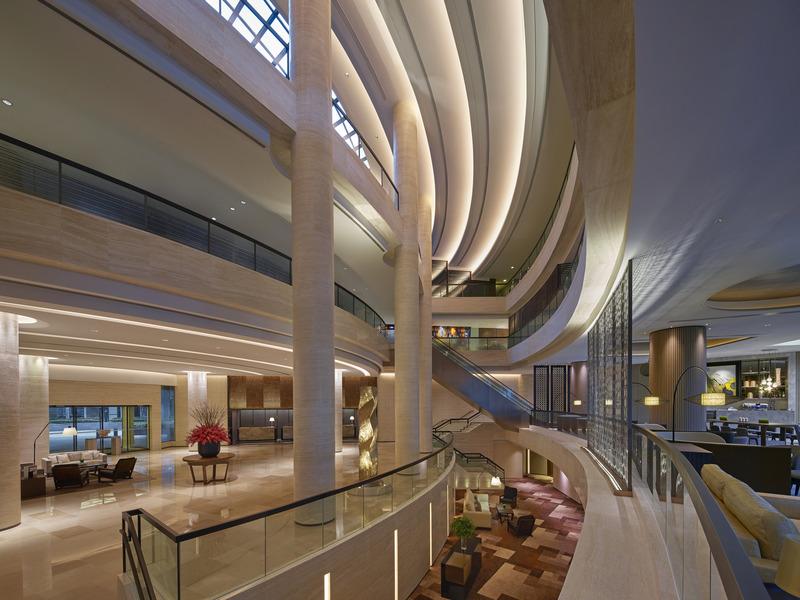 Lobby New World Millennium Hong Kong Hotel