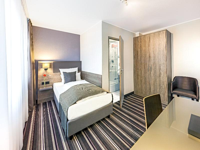Room Leonardo Hotel Nürnberg