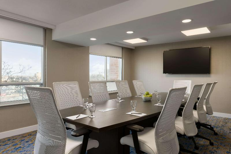Conferences Embassy Suites By Hilton Toronto Airport