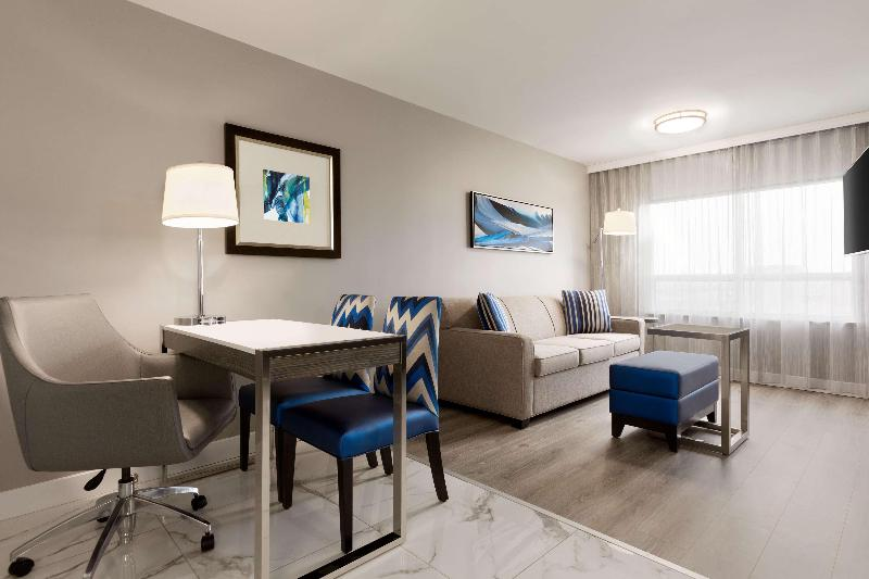 Room Embassy Suites By Hilton Toronto Airport