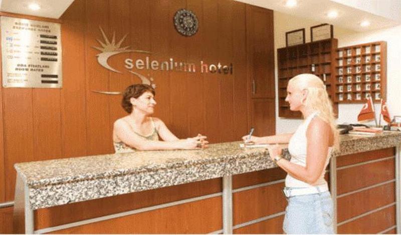 Lobby Selenium Hotel
