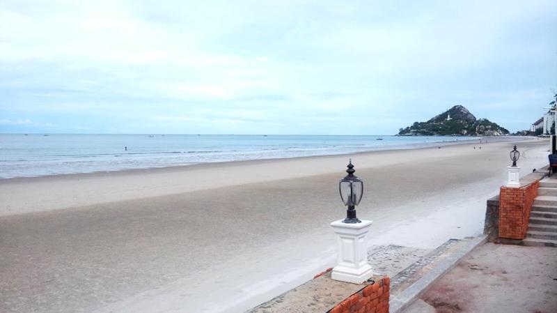 Beach Wora Bura Hua Hin Resort & Spa