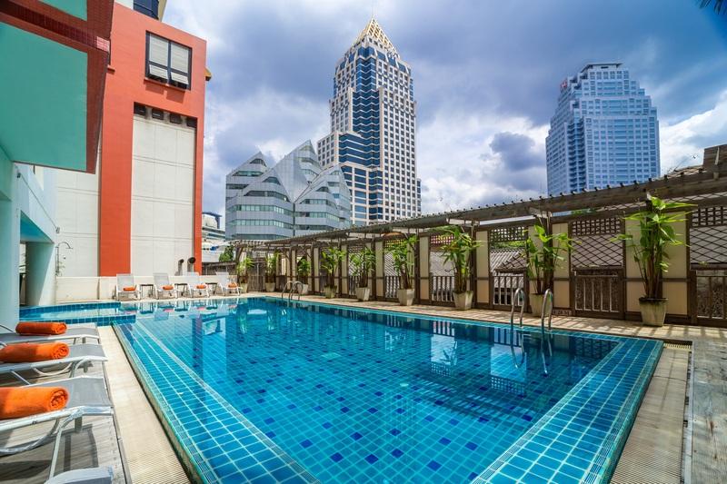 Pool Bandara Suite Silom