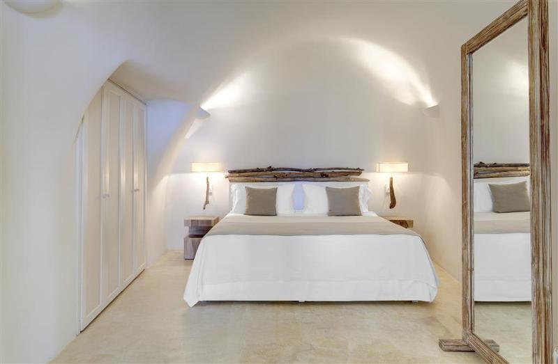 Room Mystique