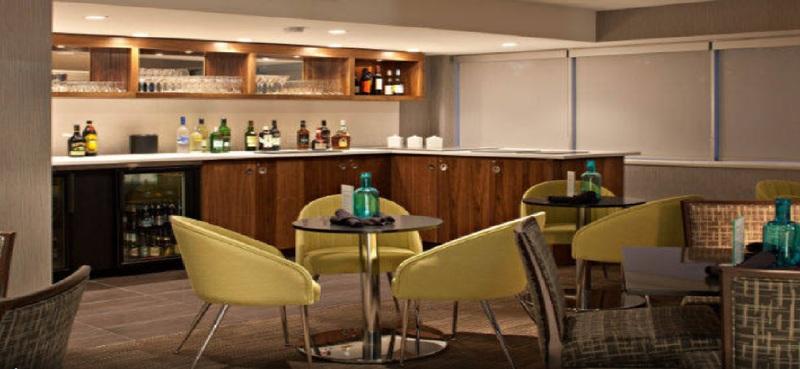 Bar Delta Hotels Calgary South