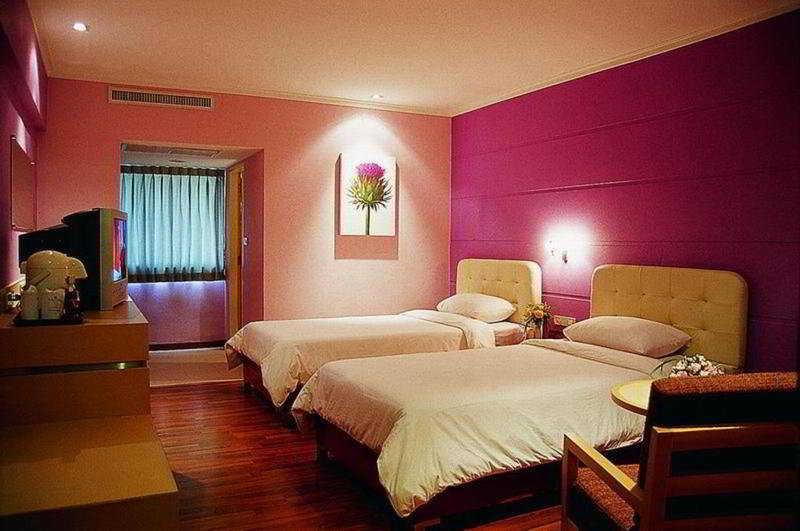 Room S D Avenue