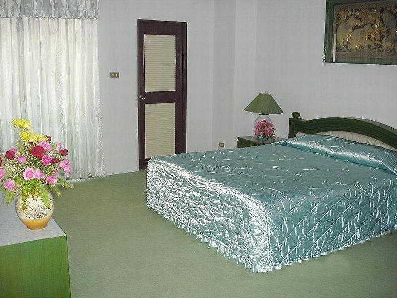 Room Chiang Mai Ratanakosin Hotel