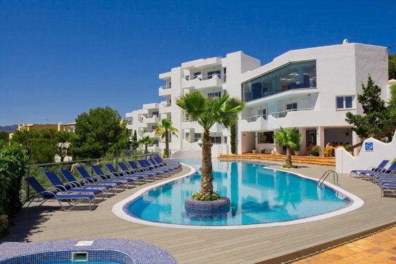 This Hotel Complex Is Located In The Quiet Tourist Area Of Cala D Or Only 150 M From Sandy Ferrera Beach It Just A 10 Minute Walk To