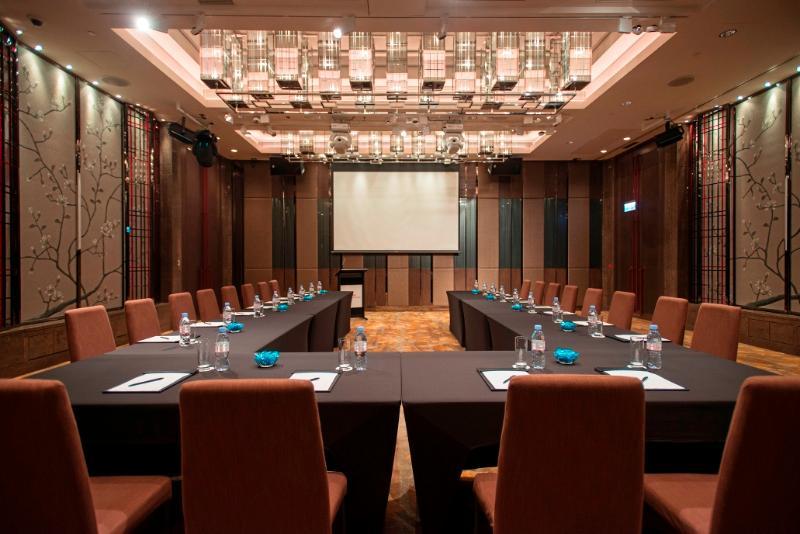 Conferences Royal Plaza Hotel