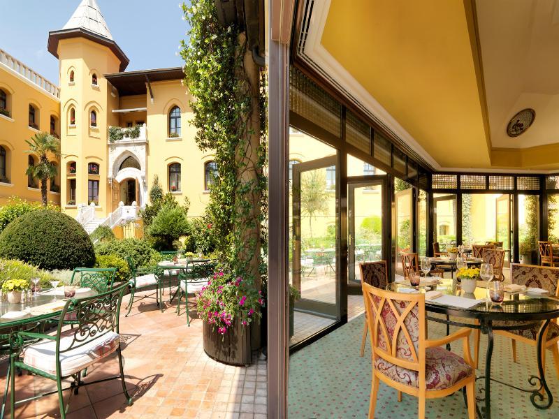 Four Seasons Hotel Istanbul at Sultanahmet - Pool - 5