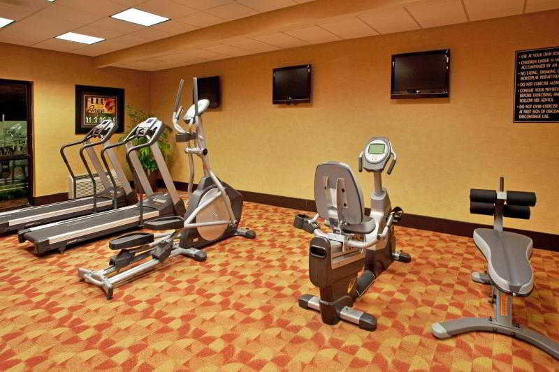 Holiday Inn Hotel & Suites - Sport - 30