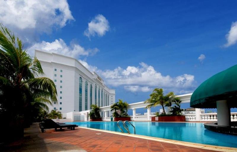 Pool Berjaya Waterfront Hotel Johor Bahru