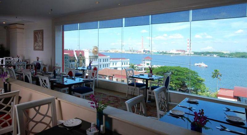 Restaurant Berjaya Waterfront Hotel Johor Bahru