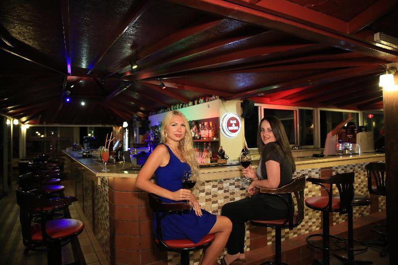 Bar Club Amaris