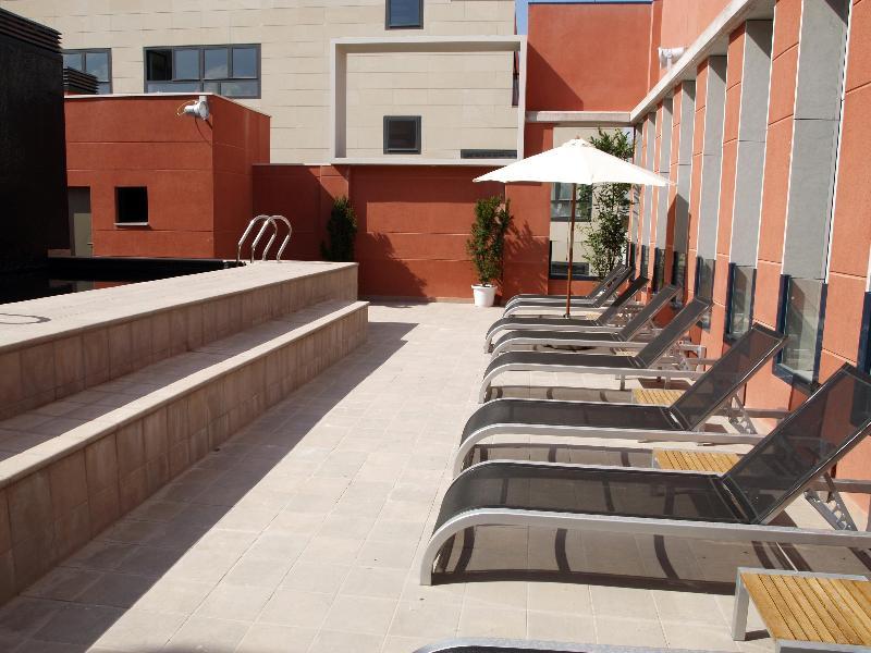 Pool Eco Alcala Suites