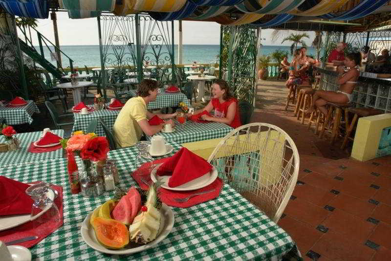 Restaurant Legends Beach Resort