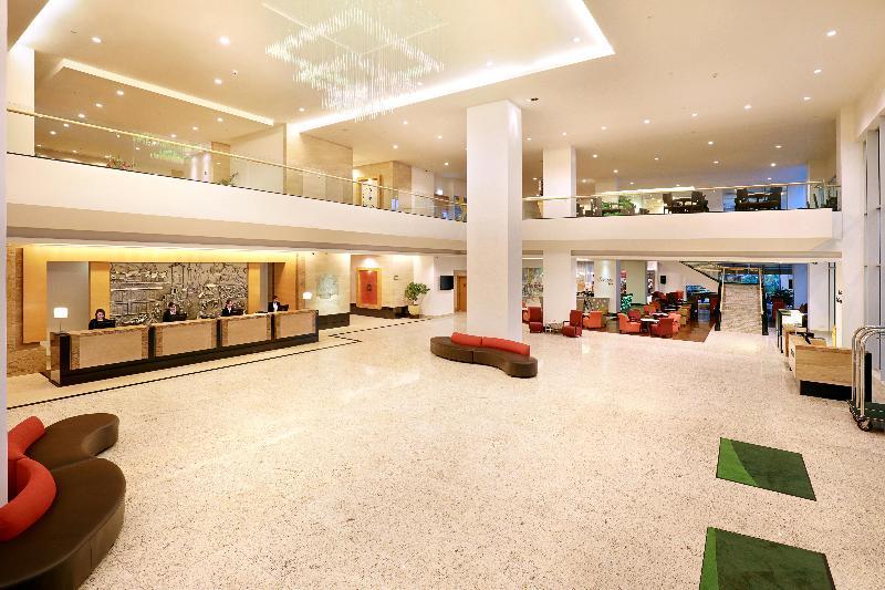 Lobby Holiday Inn Melaka