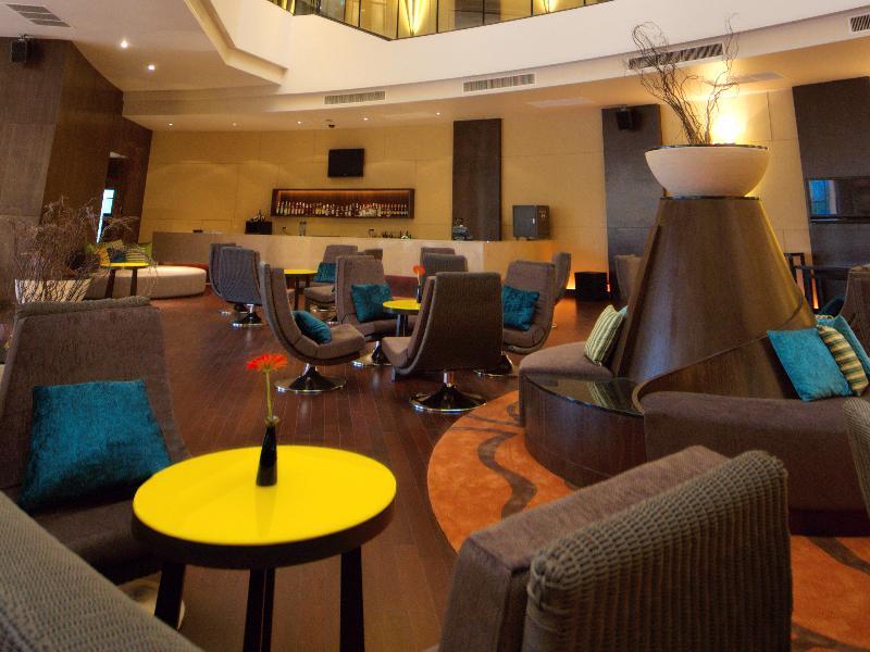Millennium Resort Patong Phuket - Bar - 7