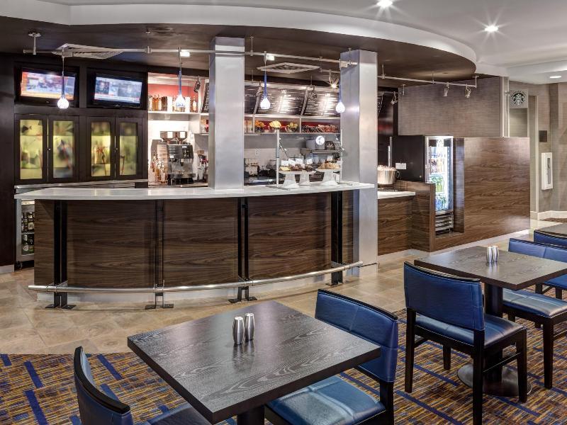 Restaurant Courtyard Phoenix West - Avondale