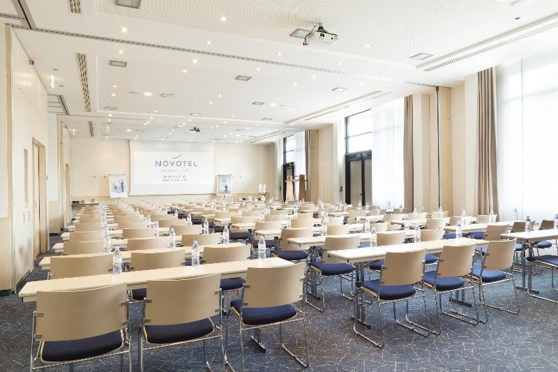 Conferences Novotel Cdg Convention & Spa
