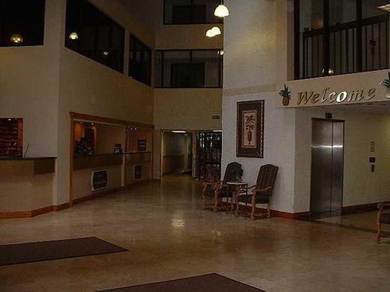 Lobby Resortquest Rentals At Pelican Beach Resort