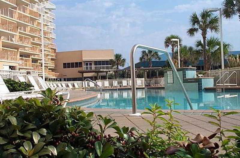 Pool Resortquest Rentals At Pelican Beach Resort