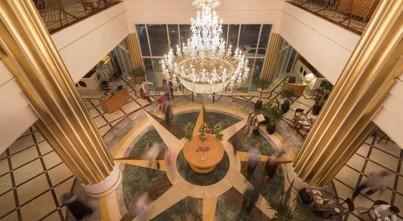 Lobby Corniche Hotel Abu Dhabi