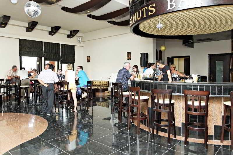 Bar The Three Corners Fayrouz Plaza