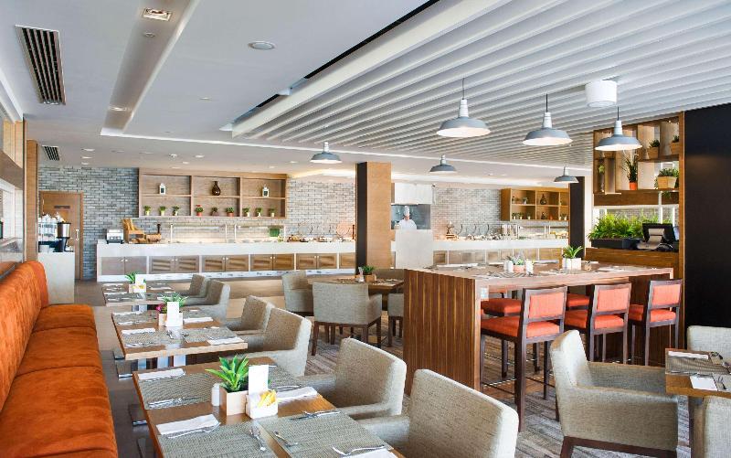Restaurant Hilton Garden Inn Ras Al Khaimah
