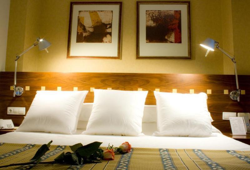 Room Gran Hotel Victoria