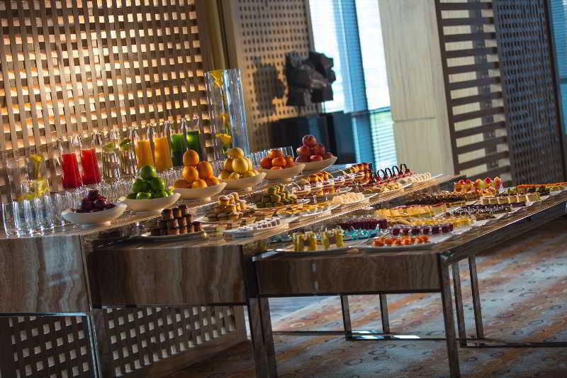 Conferences Renaissance Shanghai Yangtze Hotel