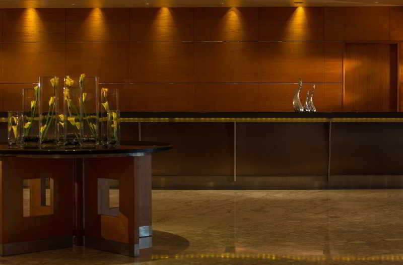 Lobby Renaissance Shanghai Yangtze Hotel