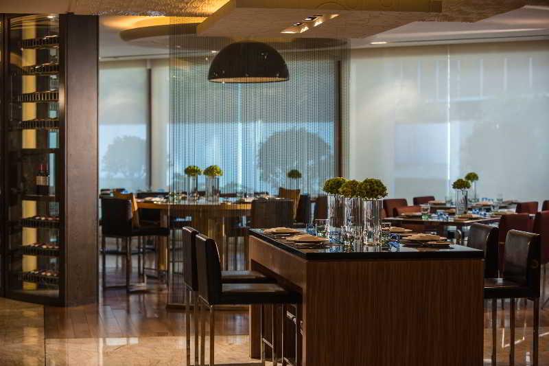Restaurant Renaissance Shanghai Yangtze Hotel