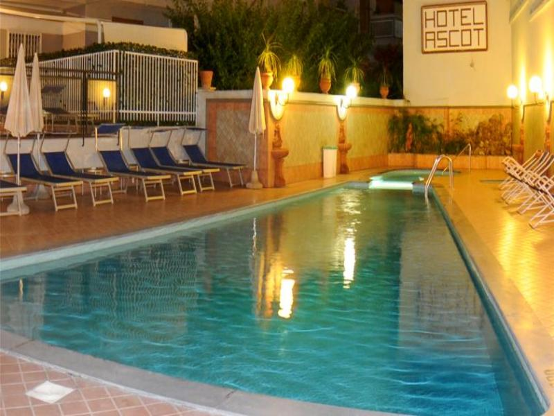Pool Ascot