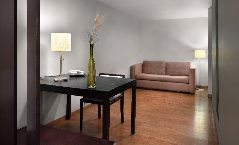 Room Eurostars Suites Reforma