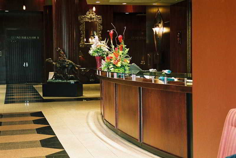 Lobby Executive Airport Plaza & Conference Centre
