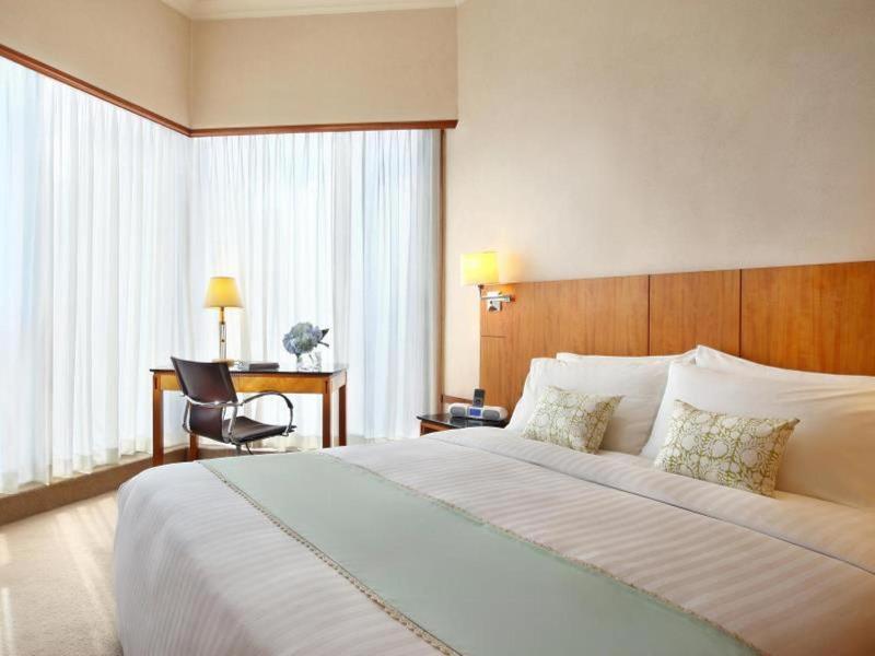 Room Island Pacific Hotel