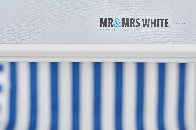Mr & Mrs White Tinos