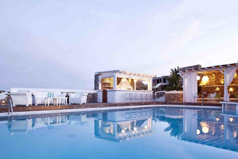 Pool Anemoessa