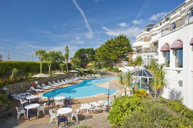 Pool Hallmark Hotel Bournemouth Carlton
