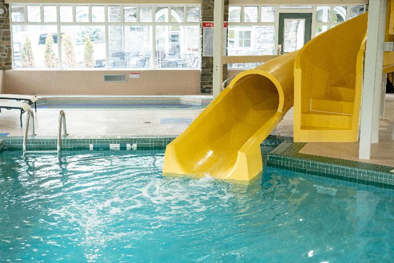 Pool Best Western Plus Pocaterra Inn