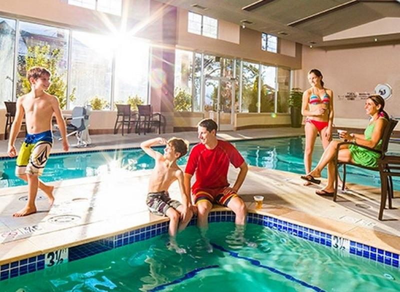 Pool Lake Tahoe Resort Hotel