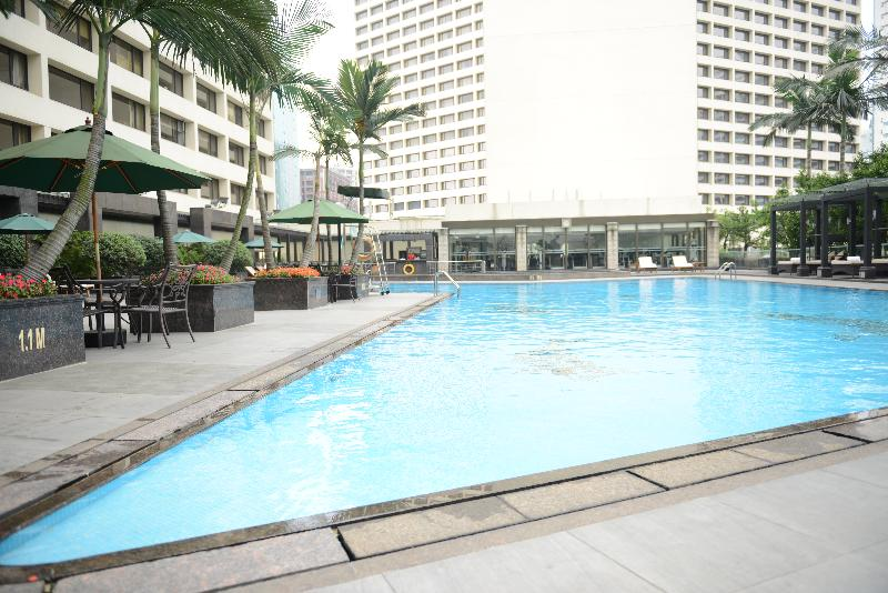 Pool The Garden Hotel