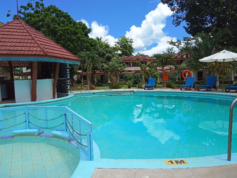 Pool Berjaya Praslin Beach