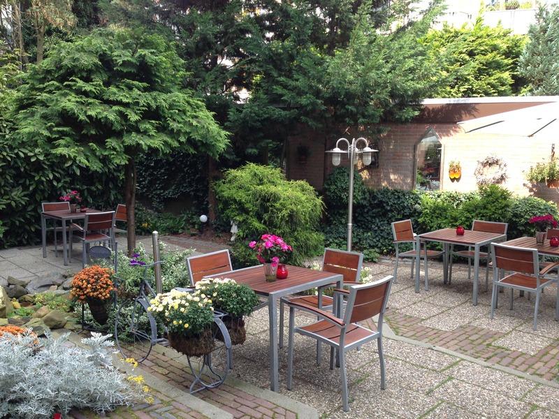 Terrace Van Walsum