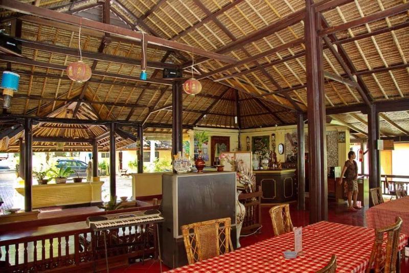 Bali Lovina Beach Cottage - Pool - 4