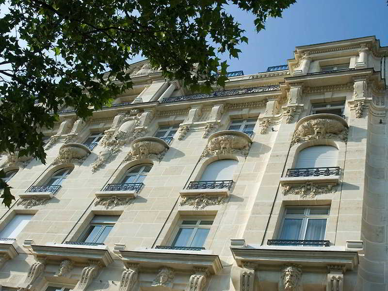 Le Claridge Champs-Elysees Fraser Suites