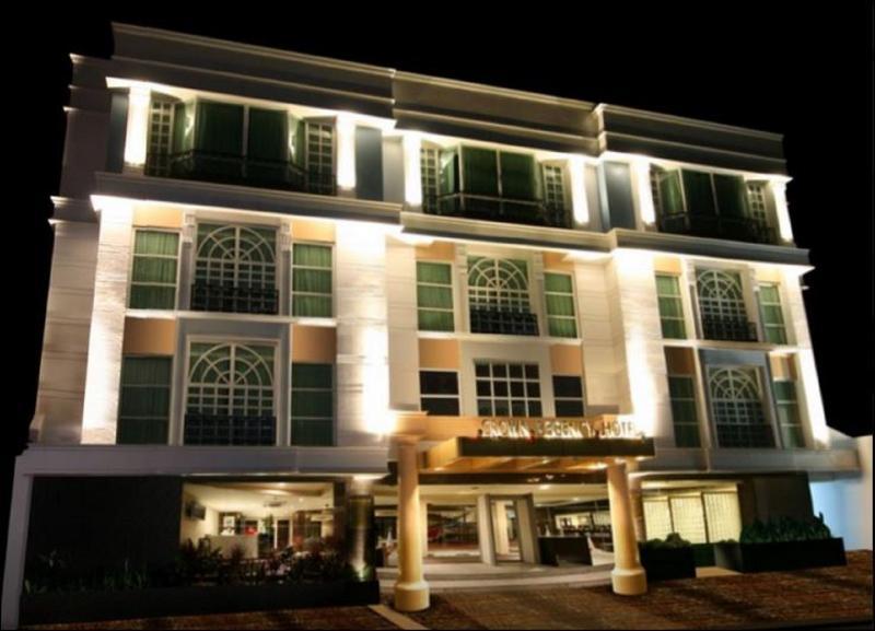 General view Crown Regency Hotel - Makati